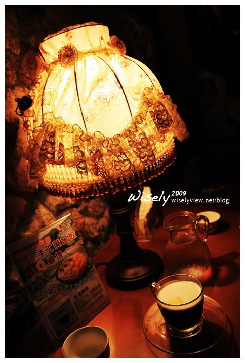 【旅行】馬祖南竿自由行-4 (馬祖劍碑、老酒麵線、夫人咖啡館、兵兵有禮)