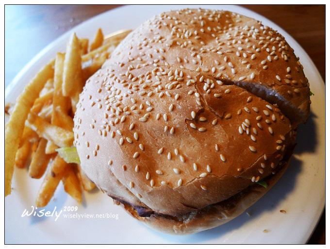 【食記】新北三芝.長角96德州烤肉酒吧 (牛排、漢堡)