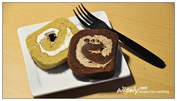 【食記】試吃心得.自由之丘:巧克力雪捲 & 黑糖麻糬雪捲