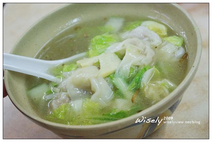 【食記】台北.城中市場 阿婆麵攤及50年豆花伯