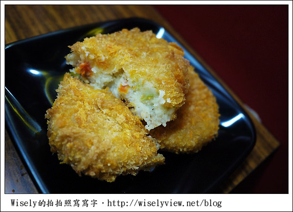 【食記】台北.公館商圈:水源市場小吃攤-咖哩屋(咖哩豬排飯&可樂餅)