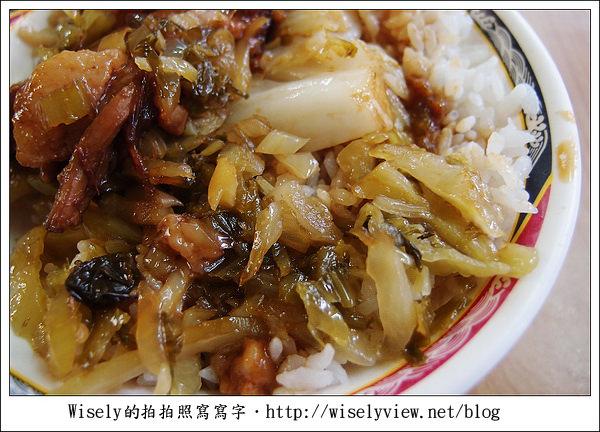 【食記】台北‧西門町商圈:老牌黃記燉肉飯/魯肉飯