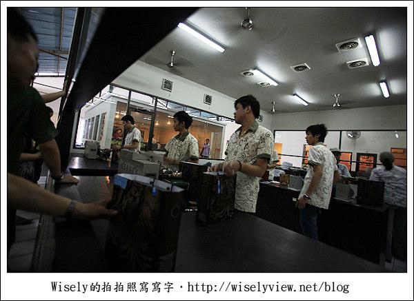 【旅行】2011(印尼)峇里島-13:黃金咖啡工廠、JENGGALA陶瓷工廠、GEVANA大賣場、巴里御燕燕窩店、KUTA(庫塔區)酒吧夜逛