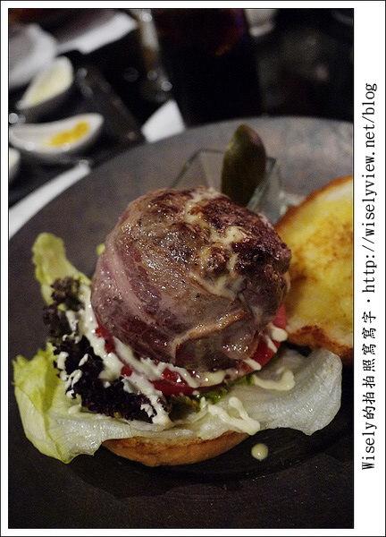 【食記】台北市.大同區(火車站旁):君品酒店 Le Bar吧-漢堡派對(薯條、啤酒吃到飽加價)