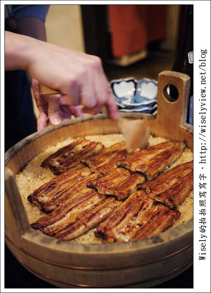 【旅行】2011關西(京阪神)-23:京都花見小路裡的江戶美味~祇園う(木桶)鰻魚飯