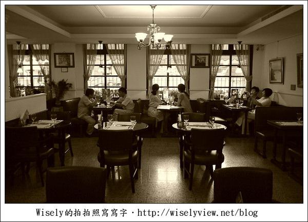 【食記】台北市.中正區:明星咖啡廳-經典懷舊的武昌街一段七號 (秀媛姐GF3新機入手)