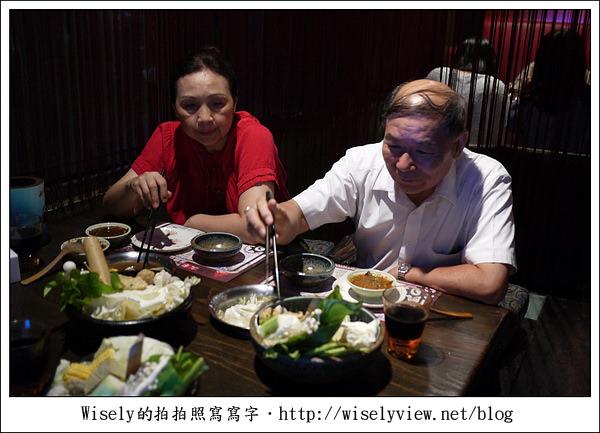 【食記】宜蘭市.上乘三家涮涮鍋共和國:價格實惠口味佳,環境很有夜店Fu