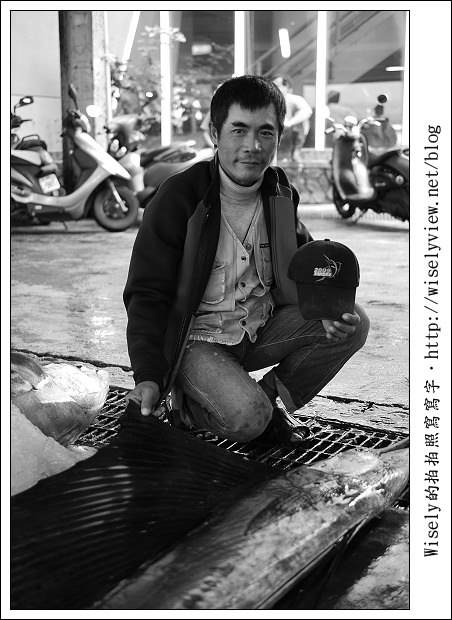【攝影】Lumix GF1 + Lecia DG 25mm/F1.4:台東新港漁市隨拍 (2011台東成功鎮旗魚季)
