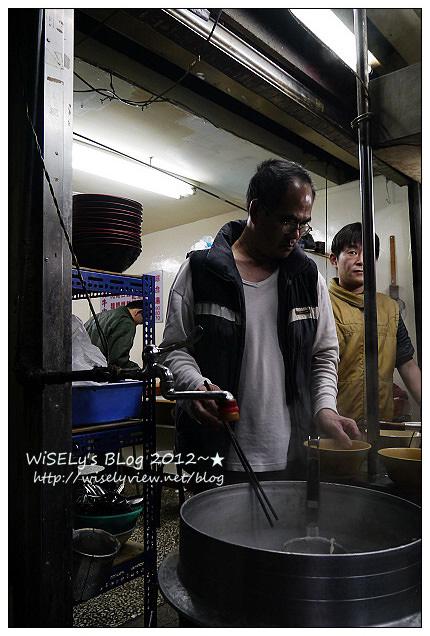 【食記】台北市.中正區:(洛陽街)小吳牛肉麵~全日營業不打烊,牛雜麵口味更勝建宏