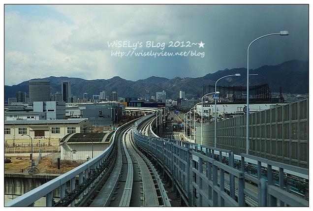 【旅遊】2012日本神戶:從神戶空港搭乘KOBE Port Liner(機場捷運線)到三宮車站,以及三宮市區到旅館沿途隨拍