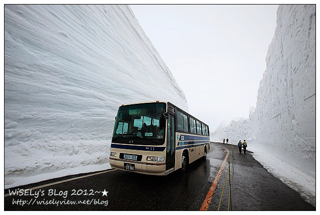 【旅行】2012日本.富山:立山黑部~漫步大雪谷走在雪壁中,欣賞日本阿爾卑斯山美景