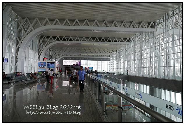 【旅行】2012中國.海南島:搭乘和諧號動車從海口到亞龍灣,平穩快速又舒適