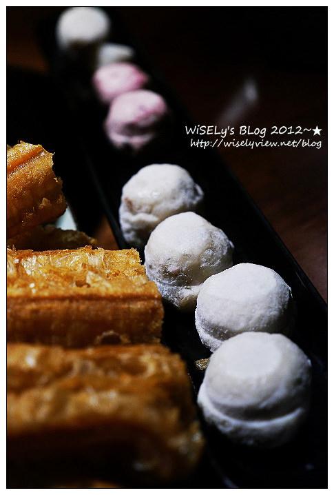 【美食】台中市.南屯區:無老鍋(公益店)@中式養生鍋底,大推明治冰淇淋豆腐及老油條