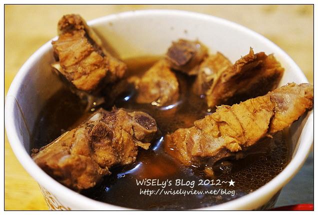 【食記】台北市.大安區:臨江街夜市旁@金佳阿圖麻油雞、士林十全排骨&石家割包