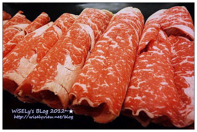 【食記】台北市.中山區:金鍋盃涮涮鍋@真材實料很新鮮,巨型大蝦配頂級牛肉好滿足