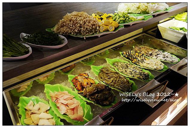 【食記】台北市.大安區:火龍島麻辣鍋(原鍋大王)@麻辣蕃茄鍋底讚,海鮮肉類也很強~吃到飽