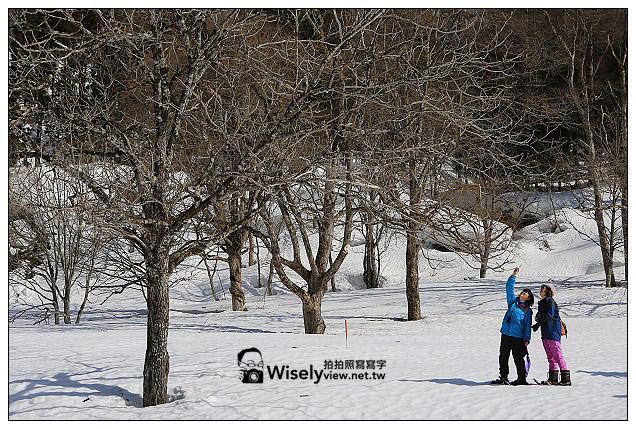 【旅行】2013日本北陸。富山縣南礪市@利賀村雪地散策、天竺溫泉參訪;中之屋「行者NIKONIKO」招待菜餚及雪見酒、在雪洞裡大嚐熊肉鍋