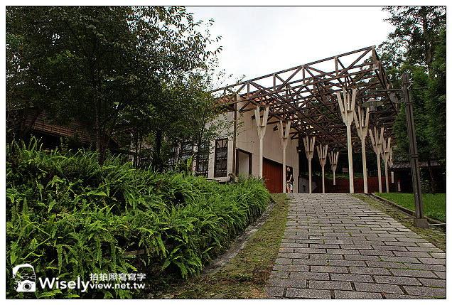 【遊記】南投縣。鹿谷鄉:內湖國民小學@可望雲海美景的森林小學,符合環保的綠色建築景觀
