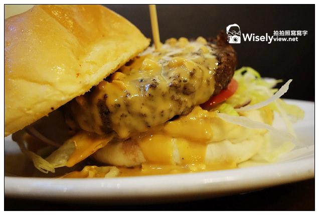 【小D食記】新北市。新店區:MINI Diner米尼美式餐廳@牛肉漢堡走清爽風味,適合多人聚餐