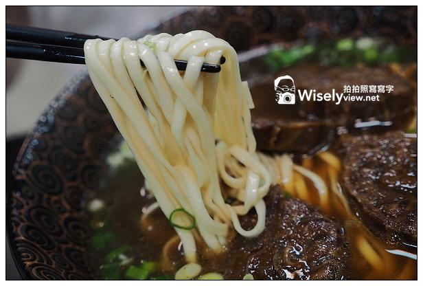 【食記】台北市。文山區:老饒牛肉麵@從小吃攤起家,政大人懷念的木柵美食