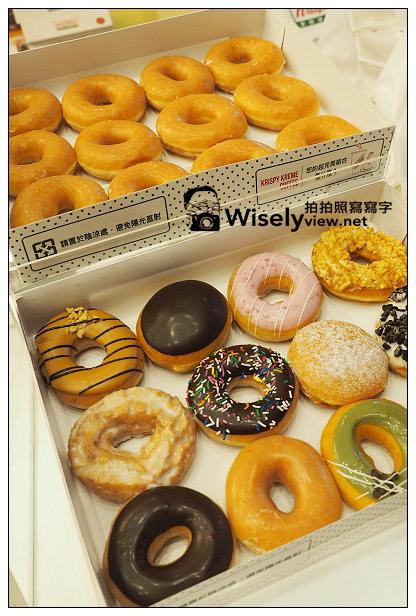 【隨拍】台北信義。捷運市政府站:2013台北國際聖誕城 & Krispy Kreme Doughnuts甜甜圈(台北店)