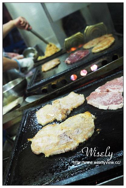 【食記】宜蘭縣。羅東鎮:加州牛排@內行人必點雙味豬排與超份量鐵板麵~近羅東夜市