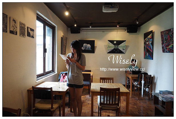 【食記】台北市。大安區:homey's café@東區巷弄裡,不限時有插座的復古咖啡店