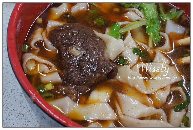 【食記】新北市。中和市:千芳餃子館@廣濟宮廟街巷弄美食,真材實料牛肉麵也好吃