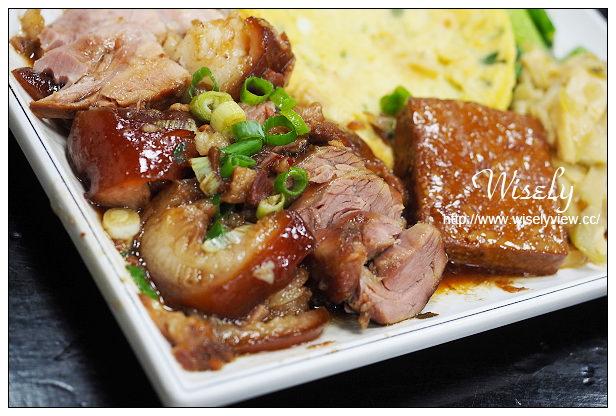 【食記】新北市。新店區:隆鼎御品豬腳@排骨、腿庫好吃,腳筋飯更是美味~