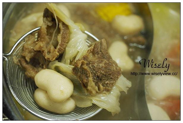 【食記】台北市。信義區:非常牛火鍋@台南的溫體牛肉,肉質新鮮走中高價位