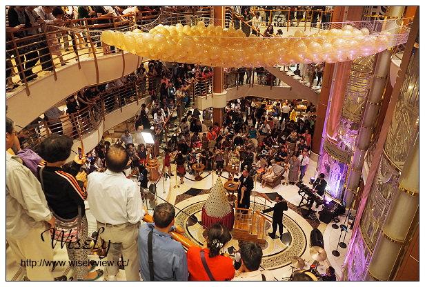 【旅行】日本沖繩。巨匠旅遊:藍寶石公主遊輪_Day03@若狹港岸AEON(24小時超市)採購、龍蝦燒烤吧、船首船尾泳池景觀隨拍、50週年紀念特餐、香檳瀑布儀式、SABATINIS義式料理套餐、船頂迪斯可舞廳、免稅購物心得分享