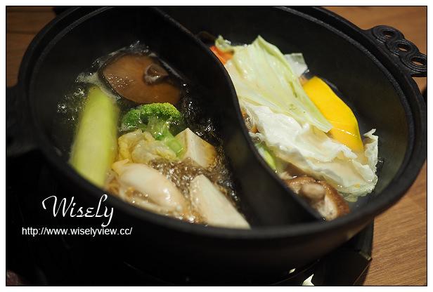 【食記】台北市。松山區:小當家海鮮鍋物(民生店)@雙人套餐特色海鮮食材,食尚玩家加持~鄰近捷運松山站