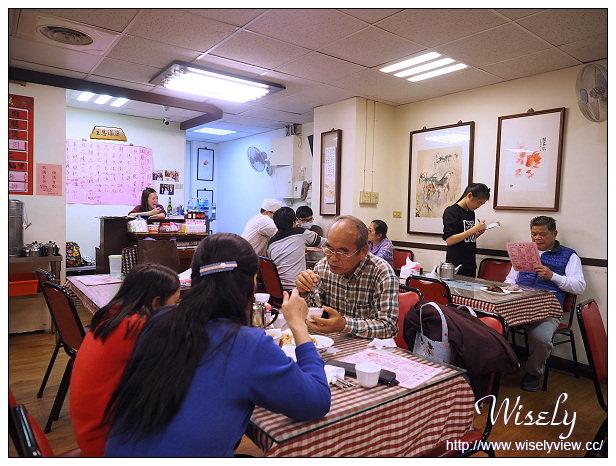【食記】台北中正。捷運古亭站:蔡萬興老店@排骨蛋炒飯、酒釀蛋芝麻湯圓&鮮肉湯圓