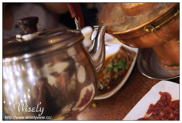 【食記】台北中山。捷運行天宮站:金稻子東北小館@酸菜白肉鍋&大連風味菜餚