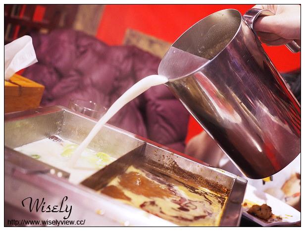 【食記】新北新店。安和路三段:紅門宴川味麻辣鴛鴦鍋@紅白湯底皆正宗夠味四川鍋