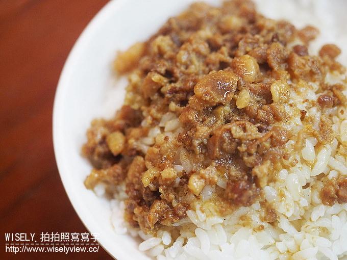 【食記】台北大同。捷運雙連站:寧夏夜市@環記麻油雞~在地價高老牌美食