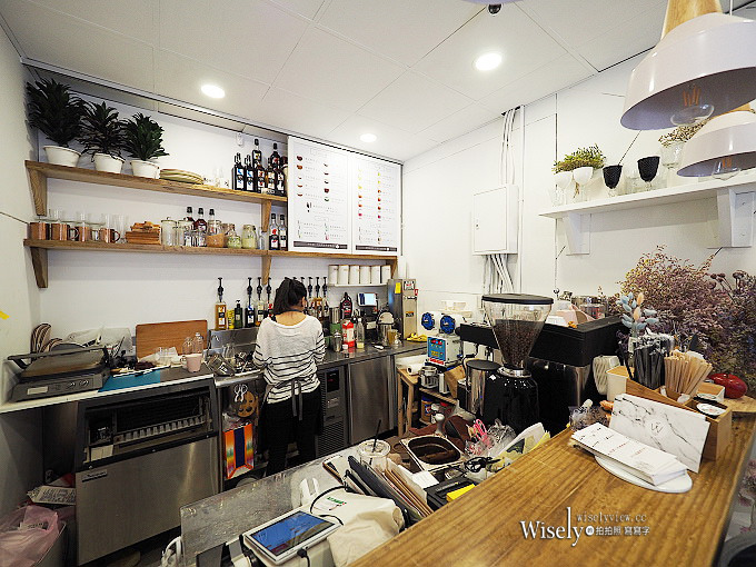 《台北大安。捷運信義安和站美食》白色鯨魚White Whale Cafe & Flowers@美麗乾燥花咖啡