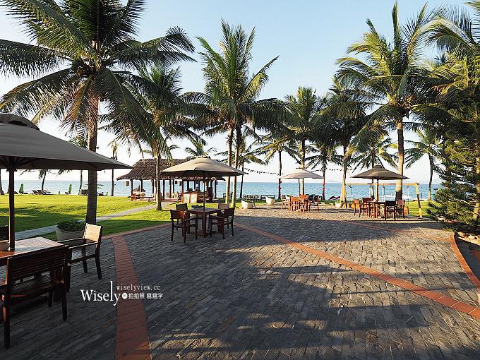 《越南會安飯店推薦。棕櫚花園海灘SPA度假村》私人海灘與多項設施,早餐豐富超好吃,距離會安古城約半小時,適合親子休閒放空/Palm Garden Beach Resort & Spa