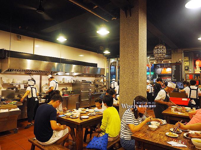 《台中西區美食。富狀元極品豬腳》台北富霸王在地分店,必嚐滷豬腳與魯肉飯
