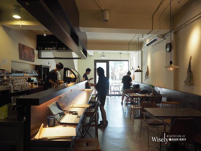 《台北中山。捷運忠孝新生站》好休咖啡 HaoXiu Kaffe:光華商場旁,WiFi插座不限時
