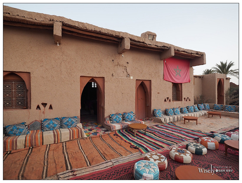 《摩洛哥》Merzouga-Sahara Desert 撒哈啦沙漠:伴隨駝印的落日夕陽,及非洲帳篷入住體驗