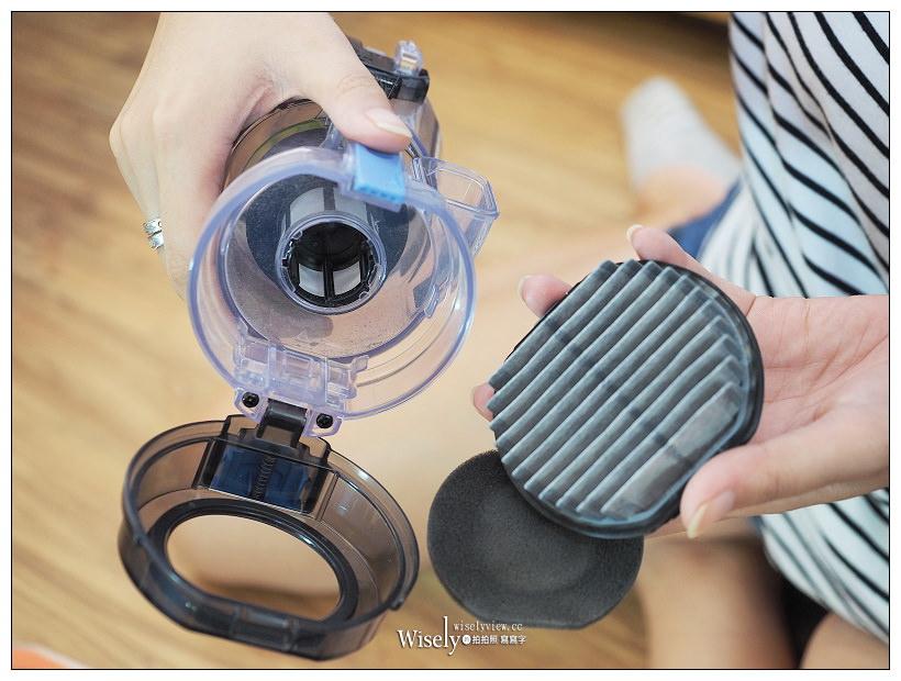 日立無線吸塵器推薦。PV-SJX920T︱美型輕盈機身,搭配3D掃除讓居家更潔淨~滑輪馬達吸力強,獨創照明式吸頭毛刷超好用,還可更換電池省時又省力