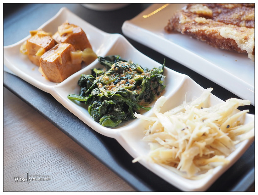 台中西屯。JMall一式排骨︱記憶中懷念的古早台灣味,厚實大塊酥炸美味