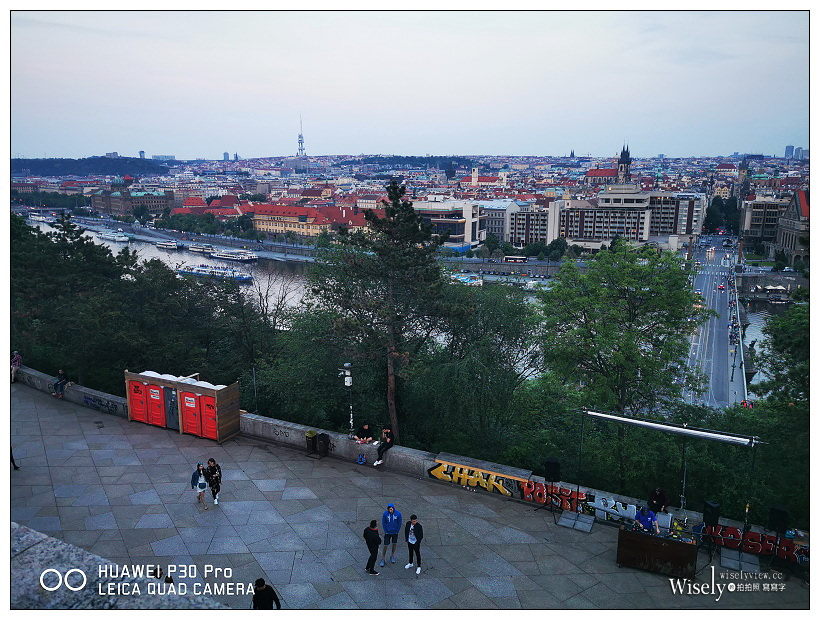 捷克 布拉格自由行 -06︱老城區夜景隨拍:萊特納公園 Letna Park、布拉格廣場