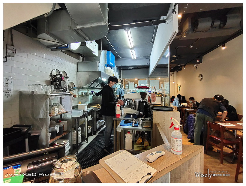 台北大同。Poffertjes Café 荷蘭小鬆餅南西中山店︱可愛店貓早午餐店~捷運中山站美食 x 台北貓咖啡