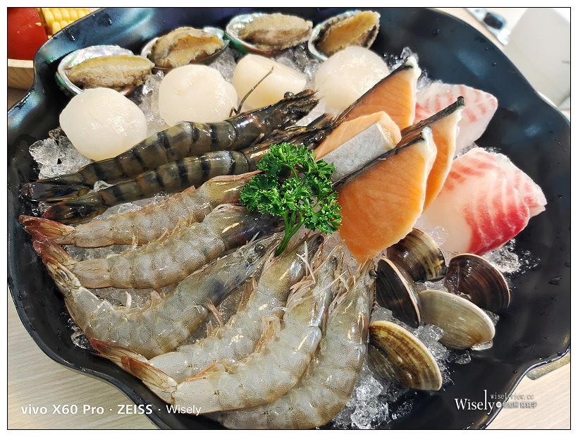 永和 饗鮮海陸涮涮鍋。2021菜單︱極上海陸套餐+貝里斯龍蝦海陸套餐~永和火鍋 x 捷運永安市場站美食