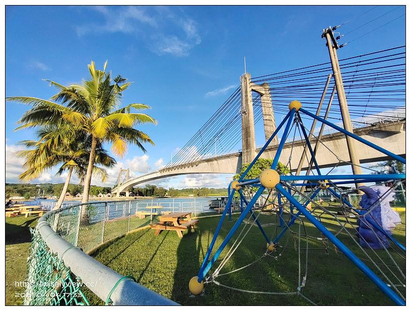 帛琉景點。科羅爾-巴貝圖阿普大橋(Koror-Babeldaob Bridge)︱蔚藍海岸的落日美景,連結最大城與最大島的跨海橋,也是帛琉與日本的友誼之橋