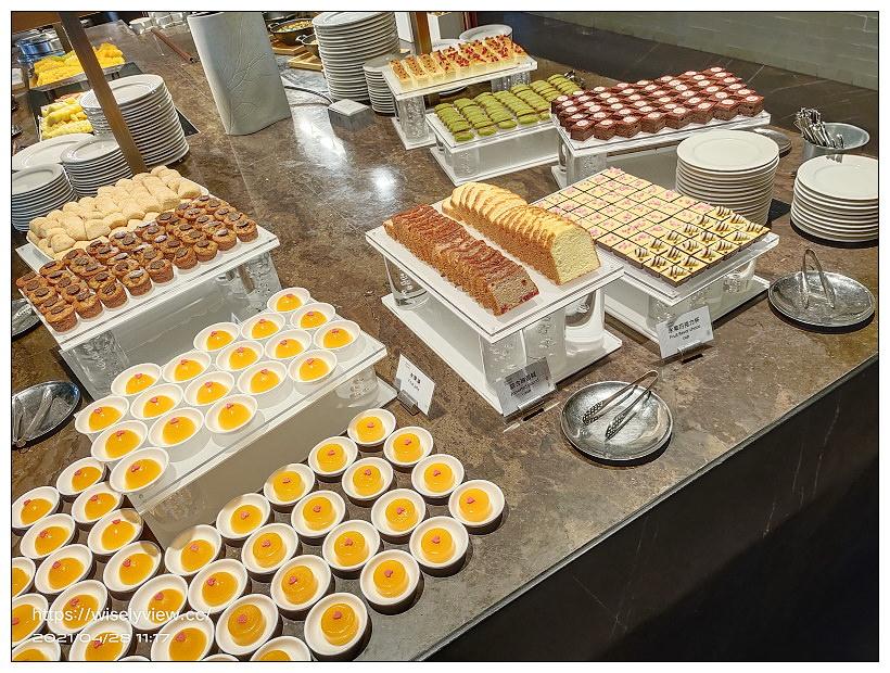台北新板希爾頓飯店 悅市集。Semi Buffet 2021︱360元主餐加送吃到飽甜點沙拉吧~捷運板橋站美食