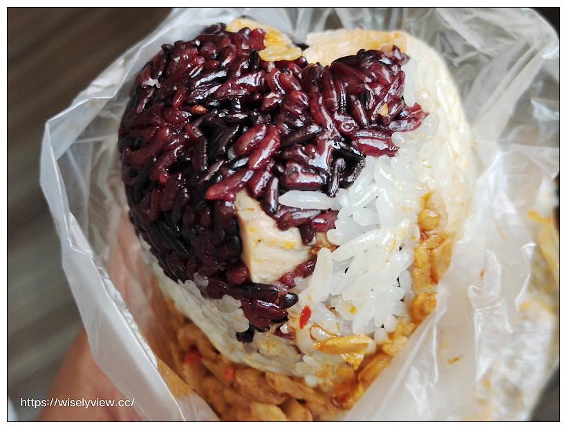 台北中山。阿弟仔飯糰|松江路297巷早餐攤車,混合紫米口味便宜好吃~行天宮早餐 x 捷運行天宮站美食